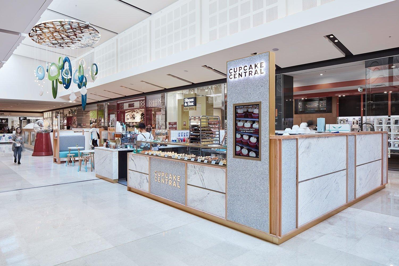 cupcake central kiosk in mall