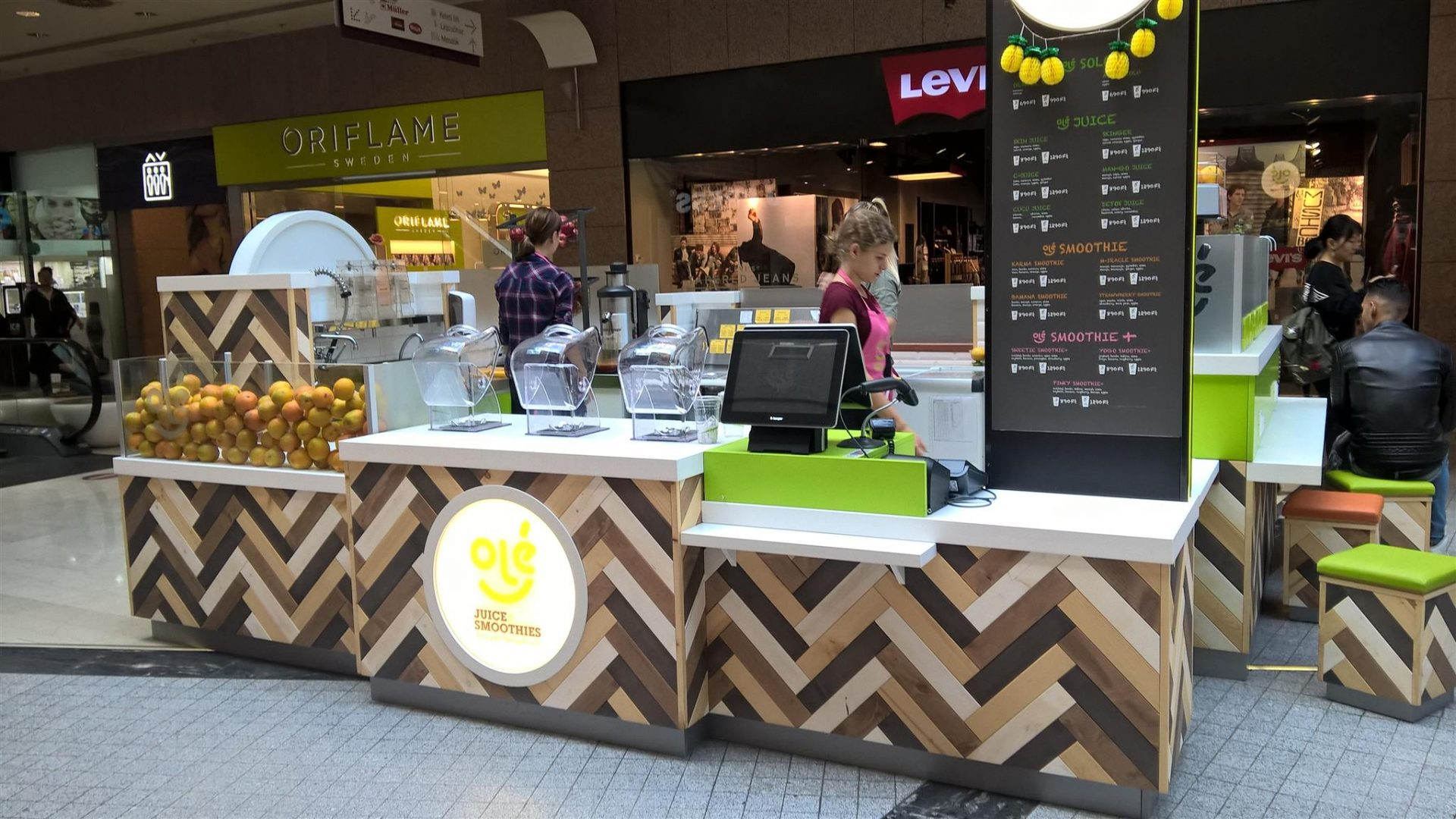 juice & smoothies kiosk