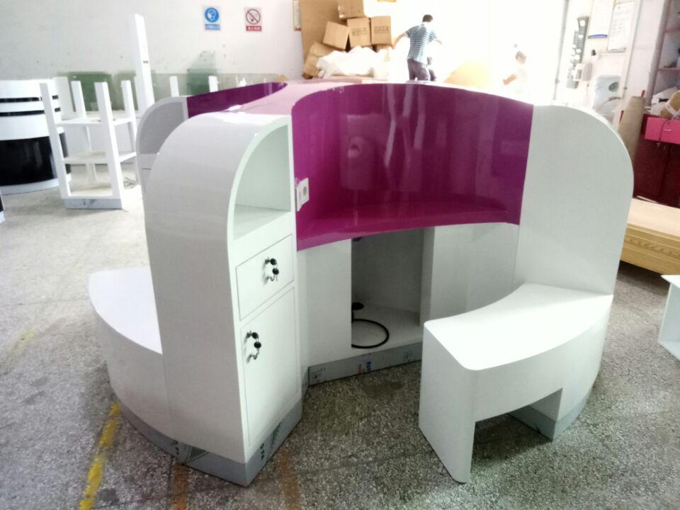 production picture massage kiosk