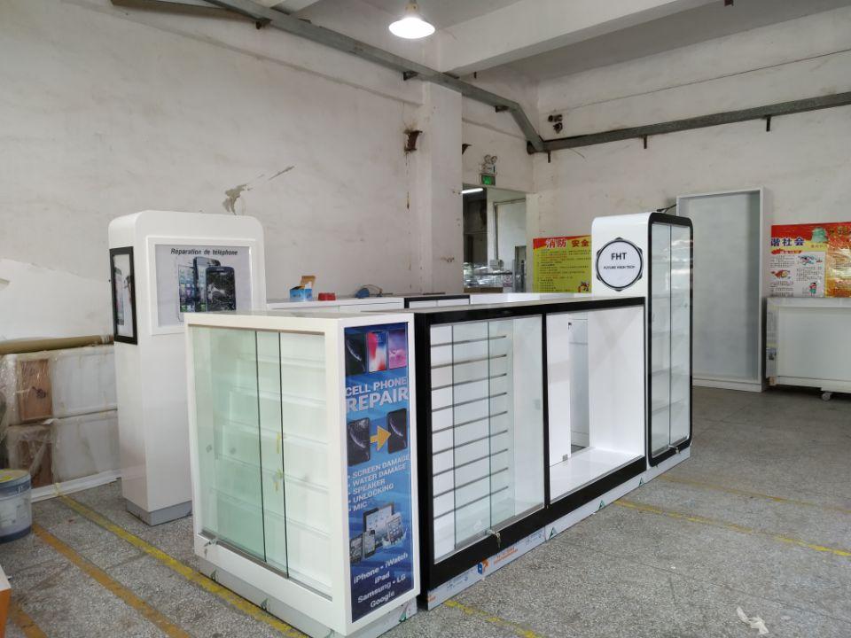 phone cases kiosk