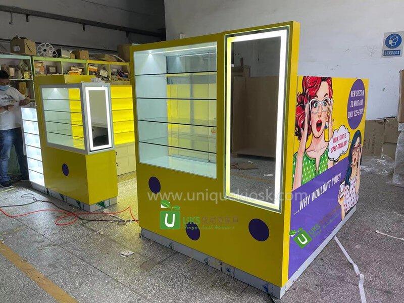 eyeglasses kiosk