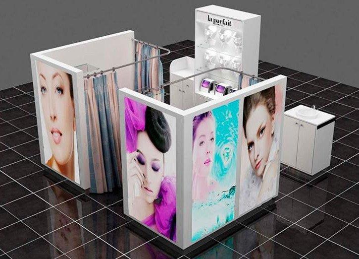 eyelash kiosk