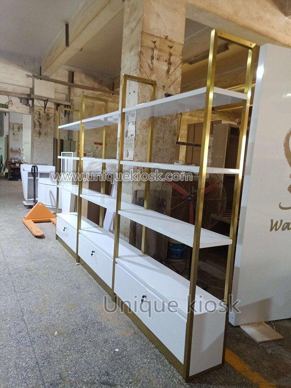 crepe display showcase